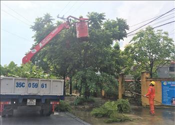 Lãnh đạo EVNNPC trực tiếp chỉ đạo ứng phó bão số 3 tại Thanh Hóa