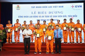 EVN vinh danh 184 công nhân lao động và 69 an toàn vệ sinh viên giỏi