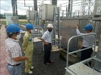 Công ty Truyền tải điện 2 chủ động các biện pháp ứng phó với bão số 5