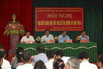 Đoàn Đại biểu Quốc hội khóa XIV Thành phố Hà Nội tiếp xúc cử tri trước kỳ họp thứ tám