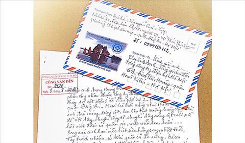 Những cánh thư mang tới niềm vui cho người làm Điện