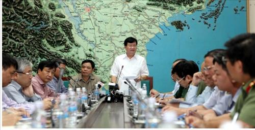 Phó Thủ tướng Chính phủ Trịnh Đình Dũng chủ trì cuộc họp khẩn ứng phó bão số 7