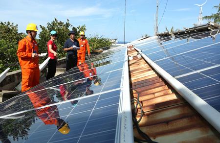Các tấm panel thu năng lượng mặt trời đã được sử dụng ở nhiều hòn đảo của nước ta